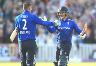 Alex Hales  , roy