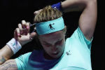 Svetlana Kuznetsova cuts own hair on way to win at WTA finals