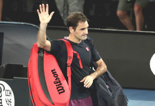 Federer has knee surgery, will miss French Open