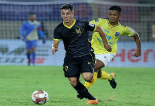 hyderabad beat kerala, isl, football